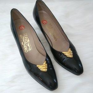 SALVATORE FERRAGAMO Black Heels Size 7.5 AAA